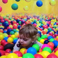 Colorindo o mundo!! My child!!✂️  #amofeltro #amor #amo #cute #chique #danivanessaatelier #face #feltro #handmade #instagram #insta #ilovemyjob #love #madehand #moveomundo #presentes #positividade #feltragem #feltrando #feltro2016 #felt #artesanatoemfeltro #artesanal #artesanato #arte #adorofeltro #twitter #pinterest #minimosdetalhes #lembrancinha #lembrancinhas #costurando #costura #handmade #criatividade #colorindoomundo