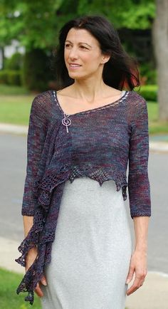 Like a crescent shawl, with sleeves. The front pieces could be left unfastened. Ravelry: Shleeves pattern by Mary Annarella Knitted Shawls, Crochet Shawl, Knit Crochet, Shawl Patterns, Knitting Patterns, Knitting Ideas, Moda Emo, Knit Wrap, Lace Knitting
