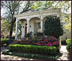 Azaleas in front of a New Orleans home - photo by Eric Bouler… New Orleans Homes, New Orleans Louisiana, Louisiana Usa, Creole Cottage, Cottage Style, New Orleans Architecture, Shotgun House, Cottage Exterior, Front Yard Landscaping