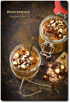 Krem kawowy Wczoraj tematem przewodnim był krem kawowy. Przyznaję, że krem kakaowy jest jednym z moich ulubionych kremów bez mleka, jajek, śmietany i glutenu. Naturalny, prosty, zdrowy. Wspaniały, po prostu wspaniały i już! W wersji dla