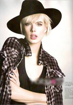 Agyness Deyn my style icon Fashion Models, Fashion Beauty, Nail Fashion, Agyness Deyn, Most Beautiful People, Beautiful Women, I Icon, Hair Designs, Her Style