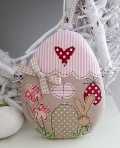 Easter decoration - Easter Easter egg house country house money gift - a designer piece by F . Bunny Crafts, Easter Crafts, Bird Quilt Blocks, Easter Paintings, Diy Ostern, Birthday Scrapbook, Free Motion Embroidery, Lavender Bags, Easter Parade