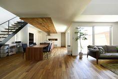 中庭を囲む 空気が繋がるLDK Makeup Rooms, Home Kitchens, House Plans, New Homes, House Design, Living Room, Interior Design, House Styles, Patio