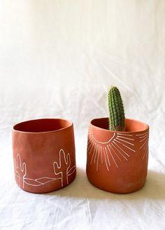 Painted Plant Pots, Painted Flower Pots, Ceramic Plant Pots, Diy Clay, Clay Crafts, Pots D'argile, Keramik Design, Boho Diy, Diy Planters