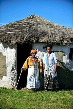 Xhoza Hut, South Africa//Xhosa homes were traditionally built from sticks and mud, the floors smeared with cow dung with thatched roofs in the remote rural areas of the Transkei. The homes are situated on tribal land, they grow their own crops and farm with their own livestock. Transkei, Eastern Cape, South Africa.