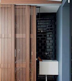 WEBSTA @ arqkaza - Para fugir das soluções convencionais.. Espaço inspirador e moderno com pastilhas Liverpool e portas ripadas de madeira.