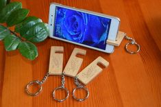 Wooden Smart Phone Stand Keychain Stand For Smartphone Smartphone Hacks, Smartphone Holder, Tablet Holder, Cell Phone Holder, Slot, Wooden Keychain, Support Telephone, Style Rustique, Best Iphone
