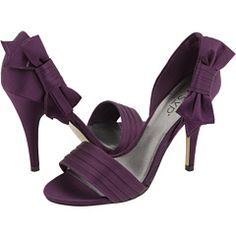 perfect color! possible bridesmaid shoes :)