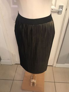 5096e0c22 Ladies Black And Gold Pleated Design Dressy Style Skirt Size XL Vero Moda # fashion #