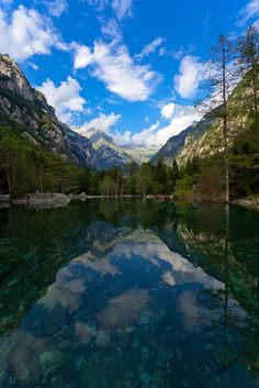 Val di Mello, Lombardia, Italy - europe by easyJet Wonderful Places, Beautiful Places, Beautiful Scenery, Landscape Photos, Italy Travel, Science Nature, Places To See, Nature Photography, Around The Worlds