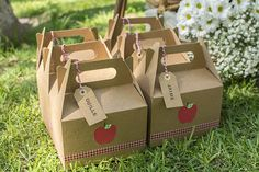 """You know how much we like picnics, so a """"picnic party"""" . Picnic Box, Picnic Theme, Picnic Birthday, 2nd Birthday, Birthday Parties, Picnic Party Favors, Picnic Decorations, Bear Party, Barbie Party"""