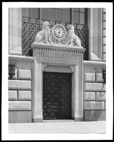 73rd Street and Broadway. Central Savings Bank, detail of main entrance.