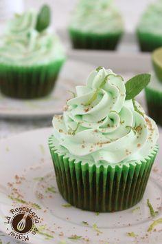 Cupcake Flavors, Cupcake Recipes, Baking Recipes, Mojito Cupcakes, Yummy Cupcakes, Mini Cakes, Cupcake Cakes, Diy Cupcake, Macaroons