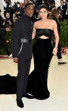 Travis Scott and Kylie Jenner attend the Heavenly Bodies: Fashion & The Catholic Imagination Costume Institute Gala at The Metropolitan Museum of Art on May 2018 in New York City. Get premium, high resolution news photos at Getty Images Kylie Jenner Instagram, Kylie Jenner Met Gala, Estilo Kylie Jenner, Celebrity Outfits, Celebrity Look, Celebrity Gossip, Celebrity News, Le Style Du Jenner, Kylie Jenner Style