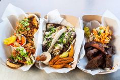 We are here to let you know which Nashville food trucks are cruising around, what the order and how to find them! Use this as your go-to resource!