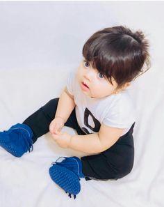 Cute Little Baby Girl, Pretty Baby, Little Babies, Baby Love, Cute Baby Girl Pictures, Baby Girl Images, Baby Photos, Cute Babies Photography, Cute Baby Wallpaper