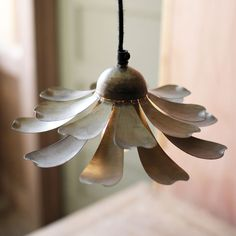 """Daisy Pendant Lamp very pretty, but just one angle on the photo and small (just 10"""" across)"""