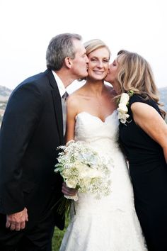 Wedding Photos Poses Parents Mother Daughters 16 Ideas photos with parents Wedding Photos Poses Parents Mother Daughters 16 Ideas Wedding Picture Poses, Wedding Poses, Wedding Portraits, Wedding Day, Wedding Dresses, Wedding Tips, 1920s Wedding, Wedding Details, Wedding Ceremony