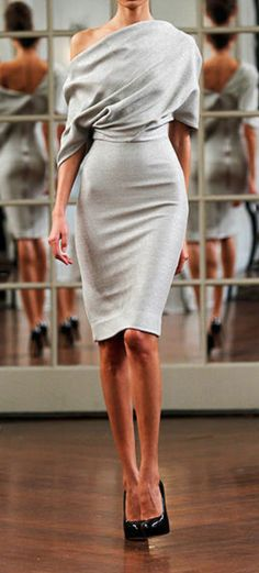 Victoria Beckham Fall 2010 RTW Collection | Elle. #runway