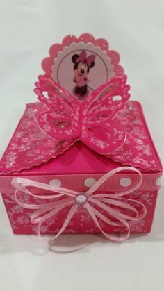 Minnie Mouse Party Favor Boxes Check out this item in my Etsy shop https://www.etsy.com/listing/249181918/12-pcs-minnie-mouse-candy-box-party