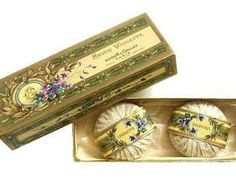 Vintage French Soap Savon Violette in Original Box. Roger & Gallet Paris, Art Nouveau