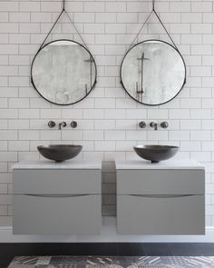 Industrial does chic double basins #industrial #doublebasins #basins #sink #bathrooms #interiordesigns #bathroomdesigns