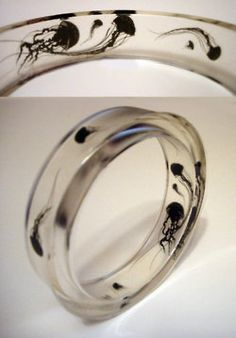 jelly fish ring - I'm not a jewelry person, but this is awesome!