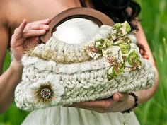 Woman Holding White Ruffled Purse with Wooden Handle - Pattern Link - http://www.madewithlovebyjm.com/small-spring-ruffle-purse-crochet-pattern-pdf-p-215.html