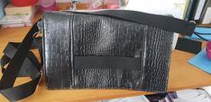Pochette Cachôtin en simili comodo noir cousue par Cindy - Patron Sacôtin
