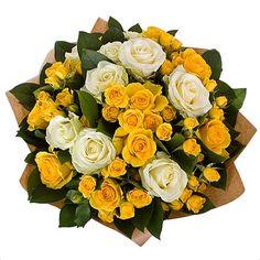 Букет с мелкими желтыми цветочками