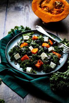 Roasted Garlic Sauce • Happy Kitchen Vegetarian Lunch, Vegetarian Recipes Dinner, Lunch Recipes, Vegan Recipes, Roasted Garlic Dressing, Pesto Dressing, Pumpkin Salad, Happy Kitchen, Feta
