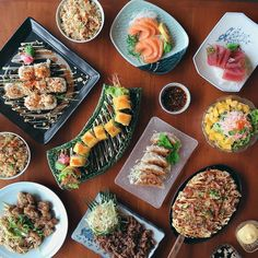 NOW OPEN:  Shinsen Sushi Bar and Restaurant - Sapphire Bloc Pasig  A homegrown local sushi bar and restaurant serving authentic Japanese food made with only the freshest ingredients  Booky team # #bookymanila  View its exact location on our app!  Tag your friends who love Japanese food