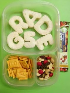 Make your little one's first day back to school so special with this personalized lunch!