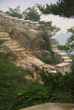 Wall, Bukhansan National Park (북한산국립공원), Seoul, South Korea