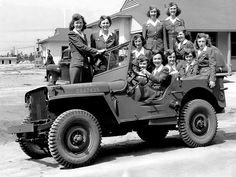 Eleven female soldiers in a Jeep Willys MB - circa 1942
