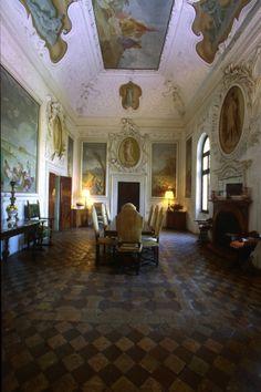 Contarini Camerini 's villa interior , Italy