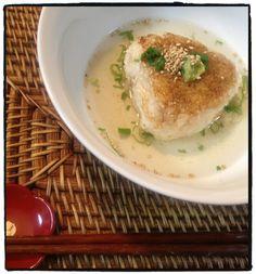 夕ご飯:だし茶漬け(餅米焼きおにぎり、鯛味噌、かつおだし、ゴマ、ネギ、ワサビ)。