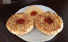 Ez a legjobb linzerkarika recept. Doughnut, Muffin, Breakfast, Desserts, Food, Morning Coffee, Deserts, Dessert, Meals