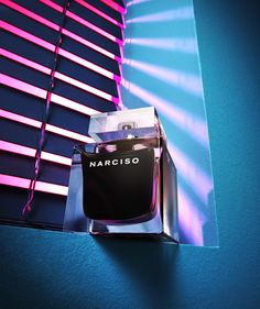 @narcisostudio  presents a new addition to his latest feminine fragrance with NARCISO Eau de Toilette. An irresistible blend of sensual woods, Bulgarian rose and white peony surround a heart of musc to create an addictive and distinctive fragrance that fascinates.