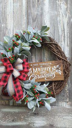 Merry Little Christmas, Simple Christmas, Christmas Holidays, Christmas Crafts, Make A Christmas Wreath, Christmas Wreaths For Front Door, Farmhouse Christmas Decor, Christmas Videos, Cowboy Christmas