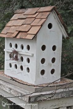 I love beautiful old birdhouses.   Chippy. Shabby. Crusty.   Falling apart but oh so charming...love them. @ http://frenchcountrycottage.blogspot.com/2012/03/wee-little-birdhouse.html