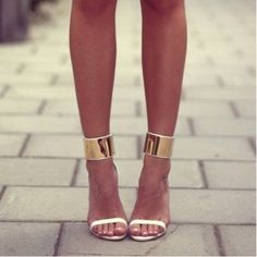 Spring Time High Heels With Golden Metallic Band