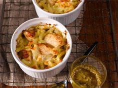 Pesto-kanakiusaus Pesto, Guacamole, Cabbage, Cooking Recipes, Vegetables, Ethnic Recipes, Food, Meal, Cooker Recipes