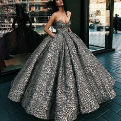 ファッション ファッション in 2020 Ball Gown Dresses, Dress Up, Prom Dresses, Formal Dresses, Xv Dresses, Vestidos Color Plata, Elegant Dresses, Pretty Dresses, Glamorous Dresses