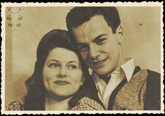 Affascinante questo libro sulle lettere più belle scritte nel tempo. In questo caso una lettera d'amore speciale, direi unica, che il grande fisico Richard Feynman scrisse alla moglie, grande amore della sua vita, sposata quando entrambi erano ventenni. Ho scoperto dell'esistenza di questa lettera (e quindi ho trovato il libro che le raccoglieva) leggendo un libro di Deepak Chopra. Vi era scritto che Feynman da scienziato quale era, disse di non provare rabbia per la morte della giovanissima…