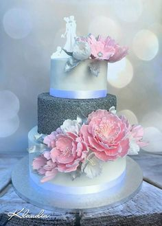 Cake with carrot and ham - Clean Eating Snacks Blush Wedding Cakes, Blue And Blush Wedding, Wedding Cake Photos, Floral Wedding Cakes, Beautiful Wedding Cakes, Wedding Cake Designs, Beautiful Cakes, Amazing Cakes, Wedding Cake Maker