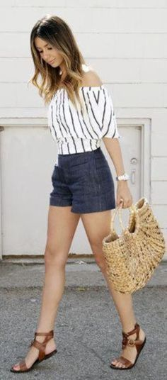 Off-the-shoulder trend, new collection, fashion ideas - Street Fashion, Casual Style, Latest Fashion Trends - Street Style and Casual Fashion Trends Short Outfits, Casual Outfits, Cute Outfits, Dress Casual, Casual Wear, Spring Summer Fashion, Spring Outfits, Spring Style, Winter Outfits
