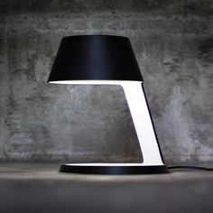 Table lamp in black | lighting . Beleuchtung . luminaires |
