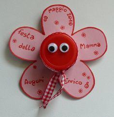Le creazioni dai mille colori di MammaPaola: Festa della mamma: Fiore con tappo