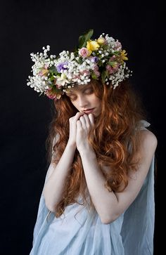 50 New Ideas For Flowers Photography Woman Inspiration Floral Crowns Photography Women, Portrait Photography, Photography Flowers, Fashion Photography, Crown Tumblr, 3 4 Face, Foto Fantasy, Arte Floral, Flowers In Hair